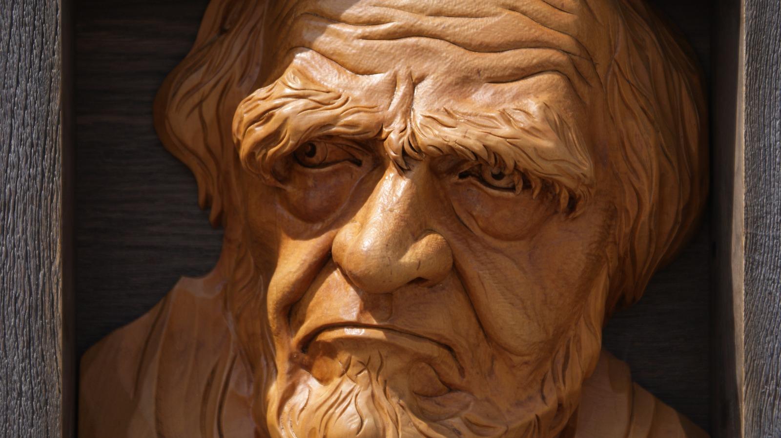 портреты из дерева по фотографии возник древнем торговом